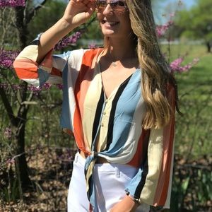 Tops - Striped Button Down Tie Bottom Top🌸🧡